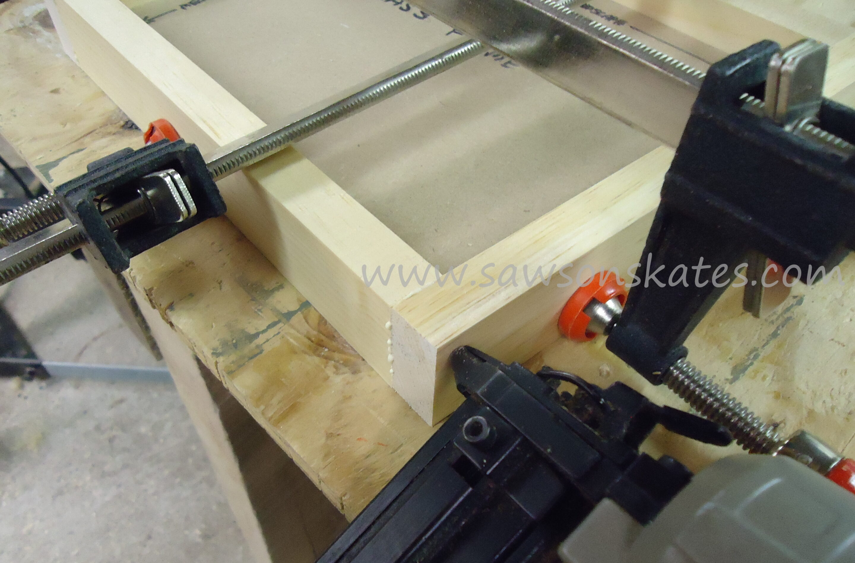 how to make a picture frame with a miter saw