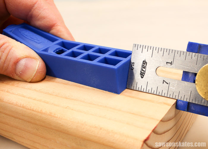 """How to use Kreg Jig Mini on 1-1/2"""" workpieces - set a Kreg Multi-Mark for a 1-1/4"""" and place against the end of your workpiece. Place the jig on your workpiece and against the Multi-Mark."""