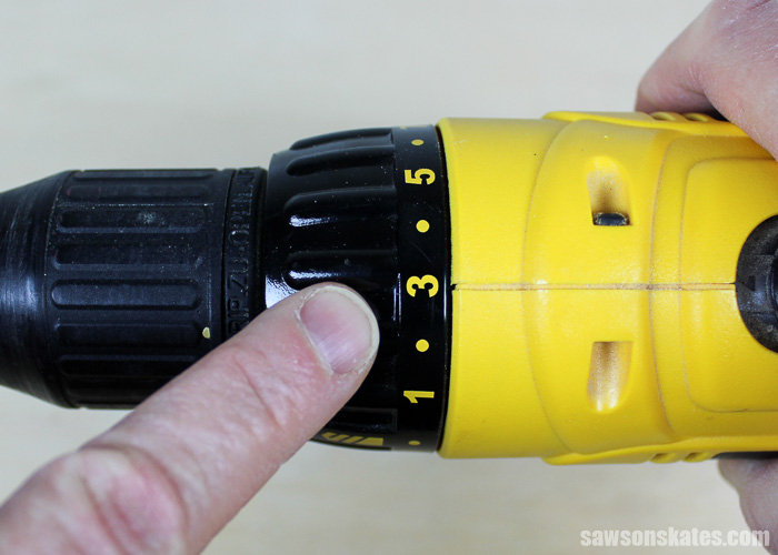 o avoid over tightening I set the clutch on my drill. Setting the clutch prevents the drill from driving the screw any further when the drill meets a certain amount of resistance. This prevents over-tightening and stripping the pocket hole.
