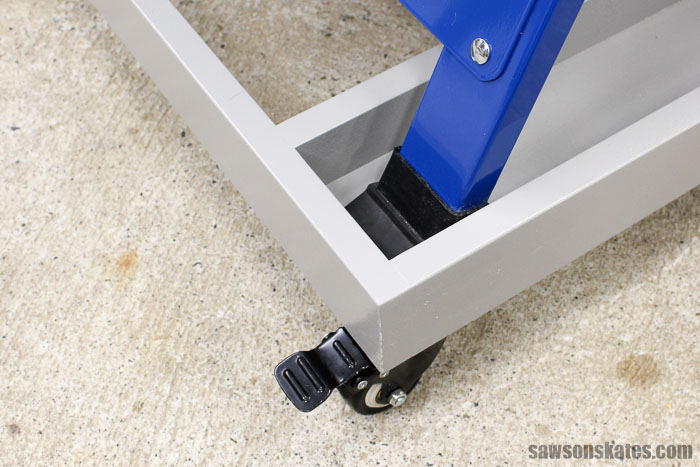 The casters were attached to the ends and in the middle of the ultimate workbench base