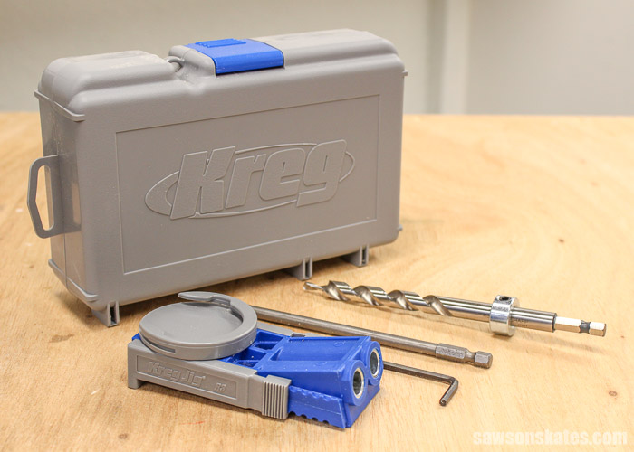 The Kreg Jig R3 kit contains the pocket hole jig, drill bit, drive bit and the storage case