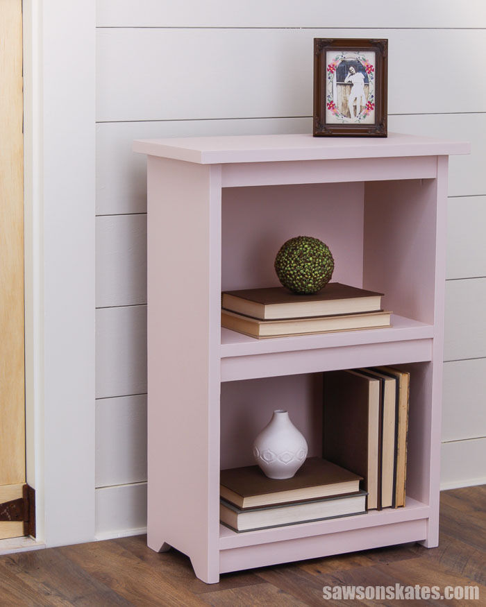Simple! That's right, this DIY bookshelf is simple to build with just a few tools. The small size is perfect for nearly any space. Get your free plans now!