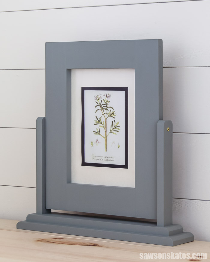 This DIY wood frame is a creative alternative to boring tabletop picture frames. It's easy to make with a few common tools and these step by step plans.