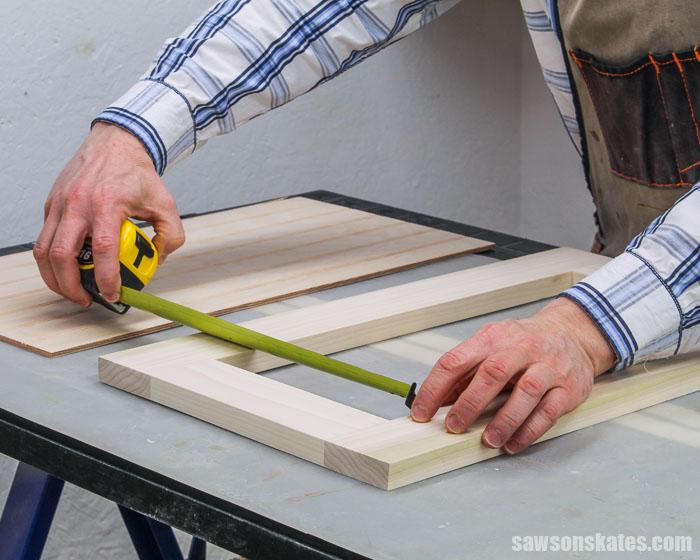 Measuring the opening in a DIY cabinet door