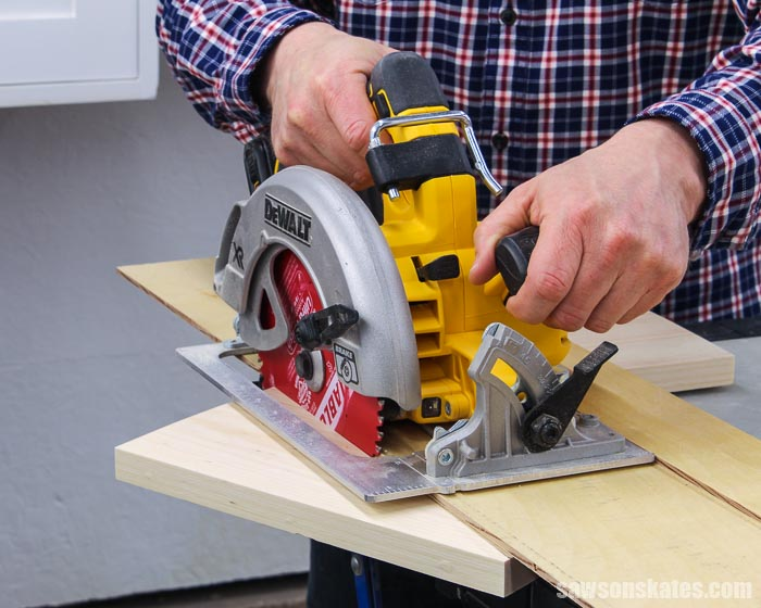 Cutting the side of a DIY circular saw storage holder