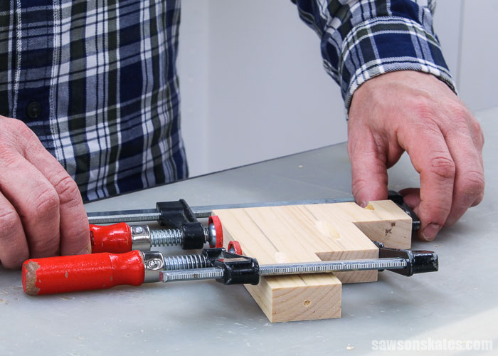 Clamping the sides of a DIY screwdriver holder