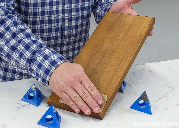 Using sandpaper after applying a stain and polyurethane in one