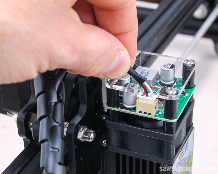Attaching the wire to the laser on an Ortur Laser Master 2