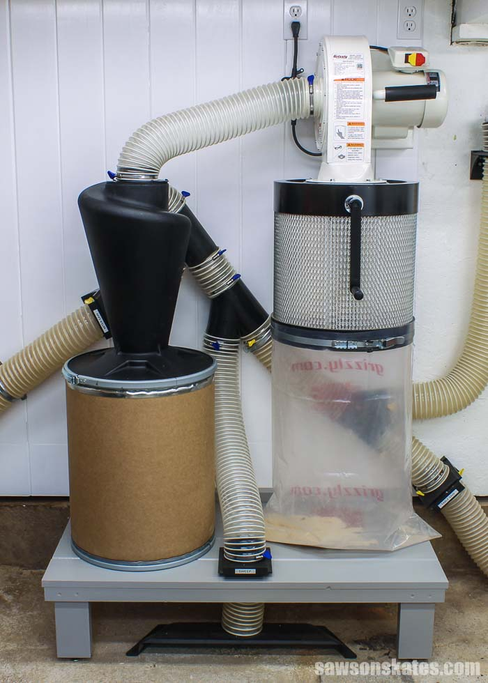 Wall-mounted dust collector and cyclone separator